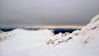 Stâncile lui Ilieş acoperite de zăpadă