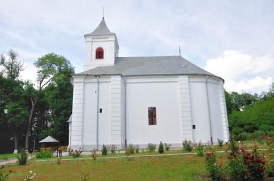 Biserica de curte în stil neoclasic, construită între anii 1821-1823. Ctitori:marele logofăt Dimitrie Sturdza (1756-1846) și soția sa Elenco.