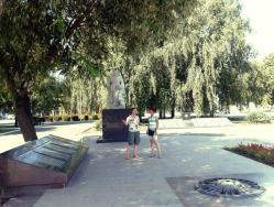 La locul pomenirii, ostaşilor sovietici, eliberatorii patriei, în cel de-al doilea război mondial