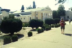 Lângă Casa de Cultură