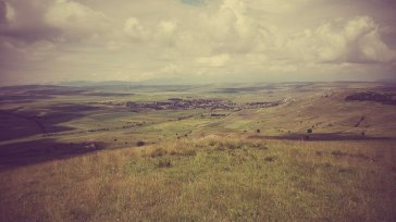 Satul Secaşel, comuna Ohaba, jud Alba, văzut de pe interfluviul dintre Târnavă și Secaş