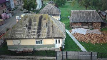 Gospodărie din satul Repedea, reședință de comună